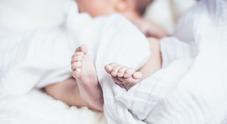 Crisi respiratoria durante il parto: neonata salva con respirazione extracorporea