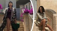 Caterina Balivo, supersexy in vacanza: costume sgambatissimo. Boom di like
