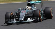 Pole position per Hamilton, seconda fila targata Williams. Dietro le Ferrari
