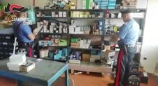 Rivendevano ricambi auto contraffatti e pericolosi. Operazione dei carabinieri in diverse officine