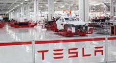 Tesla, operai fabbrica accusano azienda di razzismo: «Usate procedure discriminatorie
