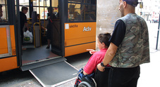 Brugnaro: «Licenzio gli autisti che  non azionano le pedane per disabili»