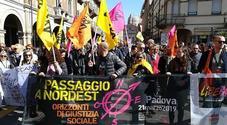 Giornata della Memoria, in 50mila  contro le mafie. Don Ciotti: «Io sto  con i migranti e Mare Ionio»