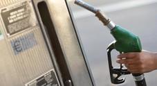 Carburanti, UP: sale il consumo della benzina. Prezzi stabili ma troppi 21.700 punti vendita, doppio della Spagna