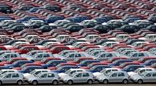 Mercato auto crollato, Unrae: «Necessari 3 miliardi per ripartire. A rischio il 15-20% dei 150mila lavoratori del settore»