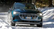 E-tron, a suo agio anche scalando le montagne. Il Suv elettrico di Audi supera la prova tra neve e ghiaccio