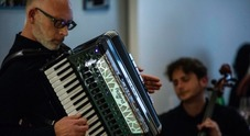 Musica dal vivo a Chiaia con il trio
