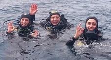 Di Maio, vacanza da sub in Sardegna con la fidanzata Virginia