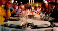 Boccone di traverso: rischia di soffocare al ristorante... ma in sala c'è un medico