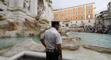 Immagine Bagno nella fontana di Trevi e viene multato