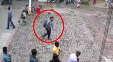 Sri Lanka, il video di uno dei sospettati: il presunto kamikaze ha uno zaino
