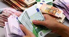 Carta sconto con truffa da 9.000 euro:  era convinta di firmare per la privacy