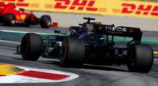 Hamilton prenota la pole nel 3° turno libero, sorprende Sainz quarto, incidente per Ocon