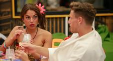 GF, Francesca De Andrè «tenta» Gennaro Lillio: «Ti voglio fare di tutto»