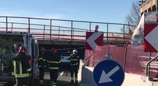 Video: l'auto schiacciata