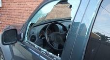 Rompono vetri dell'auto per rubare i biglietti del concerto di D'Alessio