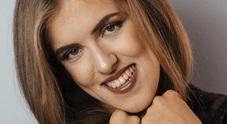Benedetta, da Miss Italia a Miss 365 con le stampelle: «Voglio fare tv, non mi fermerà niente»