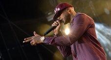 Parigi, sparatoria sul set del rapper Booba: tre feriti, gruppo armato in fuga