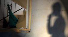 «Soldi e lavoro in cambio di sesso»: prete condannato Vittima un migrante minore