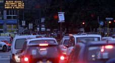 Offensiva anti-smog. Raggi: «Nel centro di Roma via i diesel dal 2024»