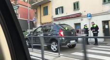 Investita sulle strisce pedonali: ferita una ragazza, traffico in tilt
