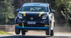 """Smart EQ fortwo e-cup, la grintosa tascabile zero emission si """"elettrizza"""" nel Rallycross"""