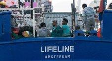 Migranti, Salvini: «Guardia Costiera non raccolga gli sos dai barconi. Hotspot ai confini sud della Libia»