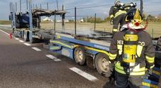 I vigili del fuco al lavoro oggi lungo l'autostrada A4