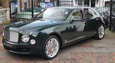 """In vendita la Bentley Mulsanne della Regina Elisabetta: 300mila euro per la """"queen car"""""""