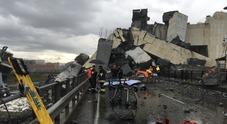 «Sotto il ponte crollato altre venti persone» Controlli anche in Puglia