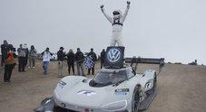 Romain Dumas: da Le Mans alla Pikes Peak, il pilota totale che ama scrivere i record