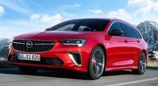 Opel, la nuova Insignia GSi debutta al salone di Bruxelles. Ha il turbo benzina 2.0 litri da 230 cv