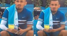 Kyrgios ma cosa fai? Il gesto volgare è inequivocabile: multa di 15mila euro