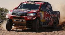 Al-Attiyah costretto al ritiro, Toyota perde il pilota di punta. Le Peugeot sempre in testa
