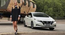 Nissan e Margot Robbie insieme per tre progetti sull'elettrico, auto ma non solo