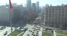 Protesta contro Uber, taxi bloccano Santiago del Cile