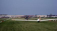 Paura all'avio-superficie, difficile atterraggio di due paracadutisti: feriti