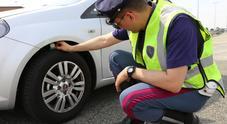 "Pneumatici, al via controlli Polizia Stradale in 7 regioni. Per ""Vacanze Sicure"" 10mila verifiche"