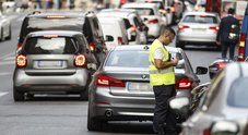 Manovra, clausola cancella multe fino a mille euro: «Salvati i disonesti»