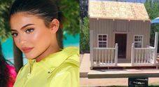 Kylie Jenner regala una casa ai suoi cani