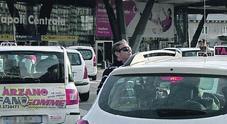 Napoli, la stangata d'agosto: maxi multa ai tassisti in servizio con i pantaloncini