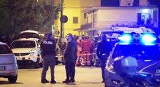 Napoli, agguato di camorra tra la folla: uomo ferito da colpi di pistola
