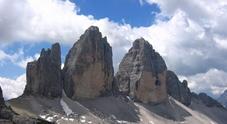 Le Tre Cime di Lavaredo. A destra la Grande, dalla quale è precipitato l'alpinista