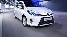 Toyota Yaris Hybrid, la prima citycar con due veri motori: consumi imbattibili