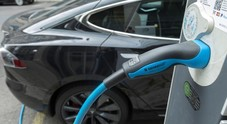 Governo tedesco proroga fino 2020 incentivi auto elettriche: mercato cresce meno del previsto