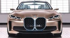 BMW i4 concept, la coupé elettrica con il rombo: 530 cv e 600 km autonomia. In produzione dal 2021