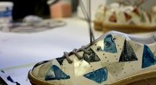 Sneakers da sballo fatte con scarti delle mele e firmate D+ da Khriò