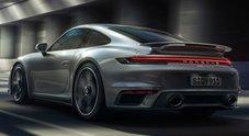 Porsche, svelata la 911 Turbo S: un missile da 650 cv e 0-100 km/h in 2,7 secondi