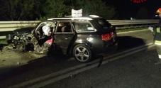 Incidente notturno sulla Feltrina:  due persone incastrate nell'auto