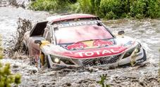 Silk Way Rally, terza vittoria per la Peugeot 3008 DKR Maxi: dopo 4 tappe Loeb è in testa